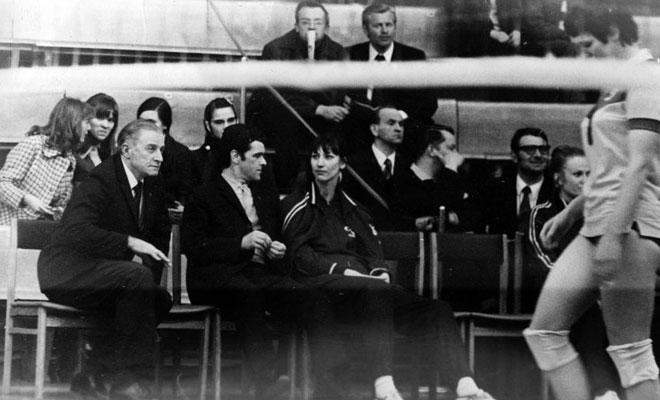 На скамейке Г.А. Ахвледиани и Е.Е. Кузнецов