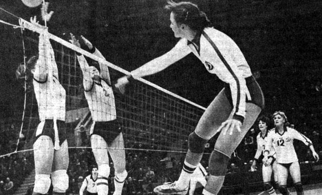 Динамо (Москва, 1981 г.), в атаке Н. Корнеева